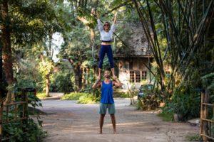 partneracrobatics standing f2h